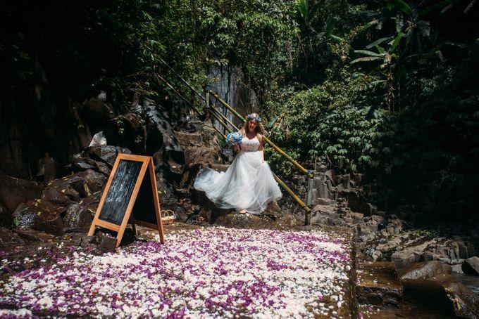 Waterfall American Wedding by Mariyasa - 001