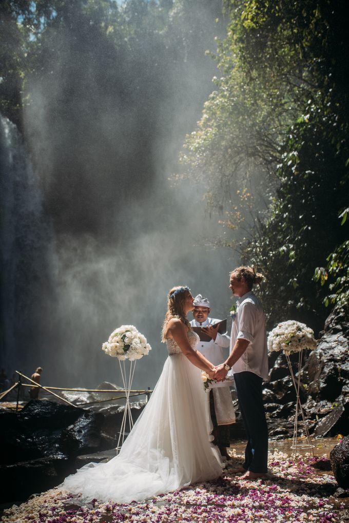 Waterfall American Wedding by Mariyasa - 003