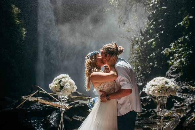 Waterfall American Wedding by Mariyasa - 004