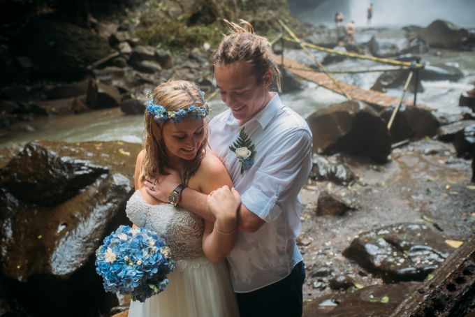 Waterfall American Wedding by Mariyasa - 008