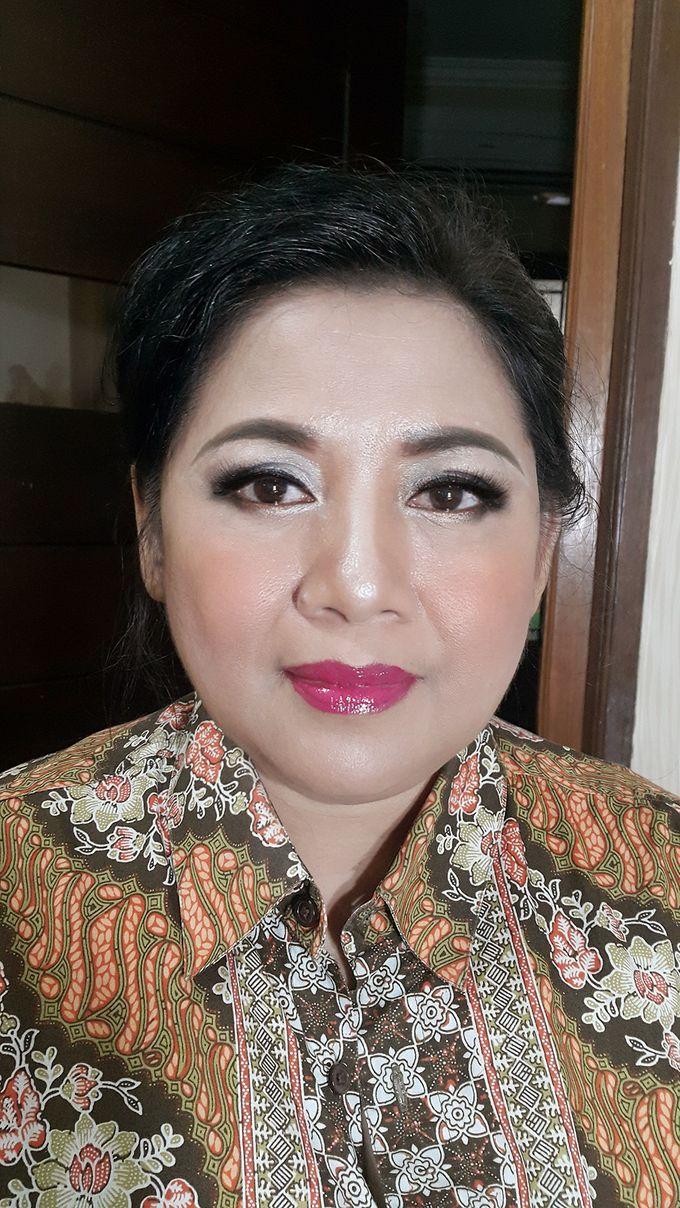 Mom Makeup by Kwin Makeup Artist - 006