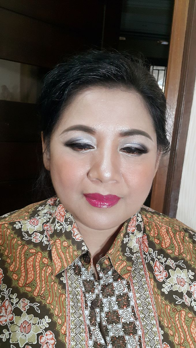 Mom Makeup by Kwin Makeup Artist - 007