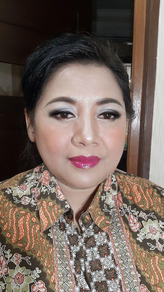 Mom Makeup by Kwin Makeup Artist - 008