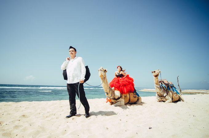 Love in Bali Camel by Mariyasa - 019