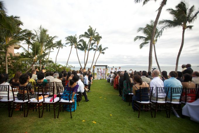 Colorful and Cultural Maui Wedding by Anna KIm Photography - 015