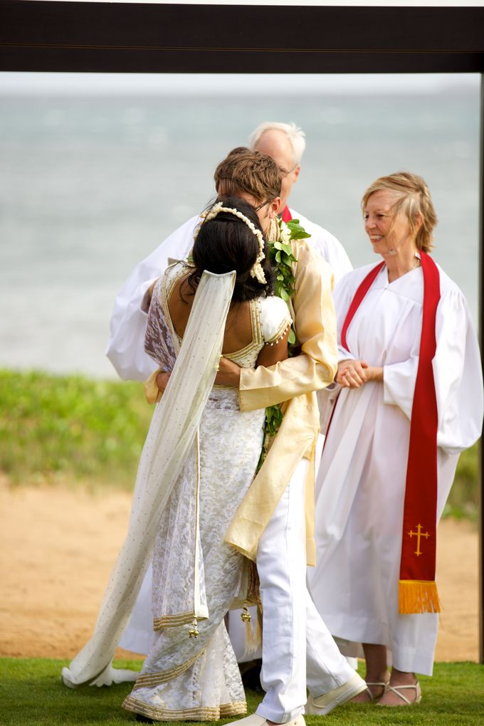 Colorful and Cultural Maui Wedding by Anna KIm Photography - 018