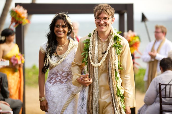 Colorful and Cultural Maui Wedding by Anna KIm Photography - 019