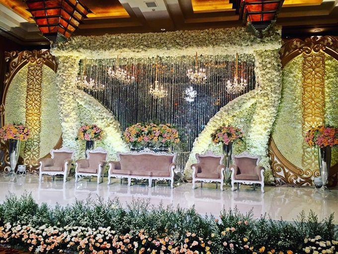 Hody & Lysia Wedding at Grand Ballroom by She La Vie Organizer & Decoration - 003