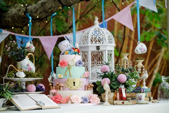 Wedding Cakes by A Taste of Decadence by Louise - 001
