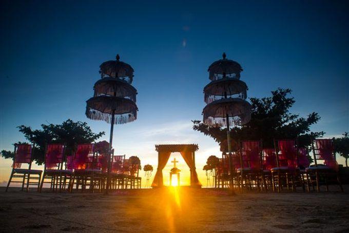 kayumanis nusa dua-beach wedding-fuschia theme by Kayumanis Private Villa and Spa - 004