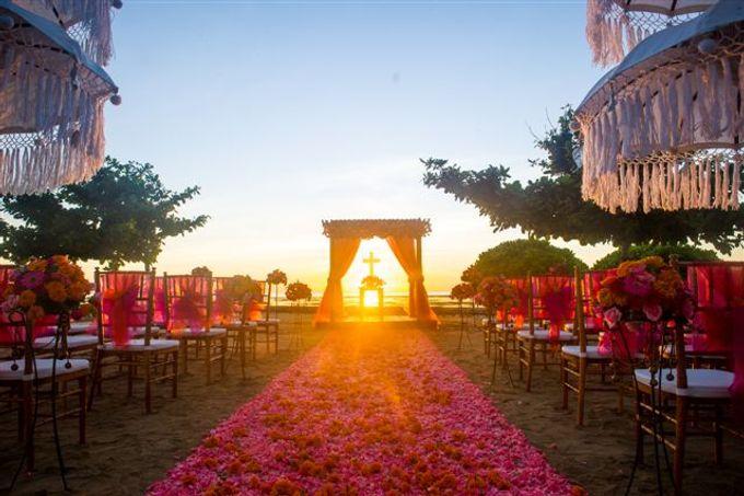 kayumanis nusa dua-beach wedding-fuschia theme by Kayumanis Private Villa and Spa - 005