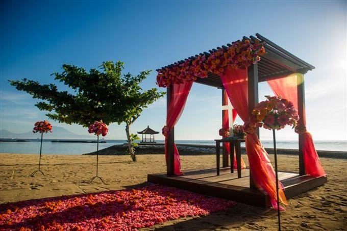 kayumanis nusa dua-beach wedding-fuschia theme by Kayumanis Private Villa and Spa - 020