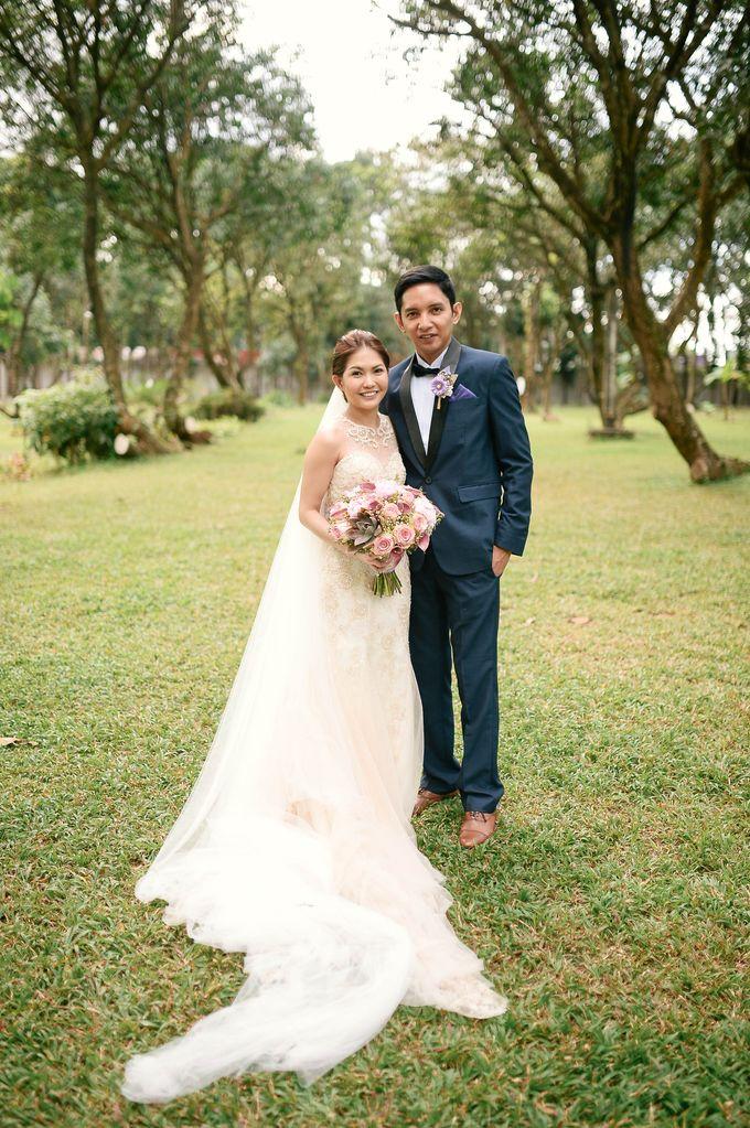 Rustic Lavander Wedding by MR Villar Photography - 033