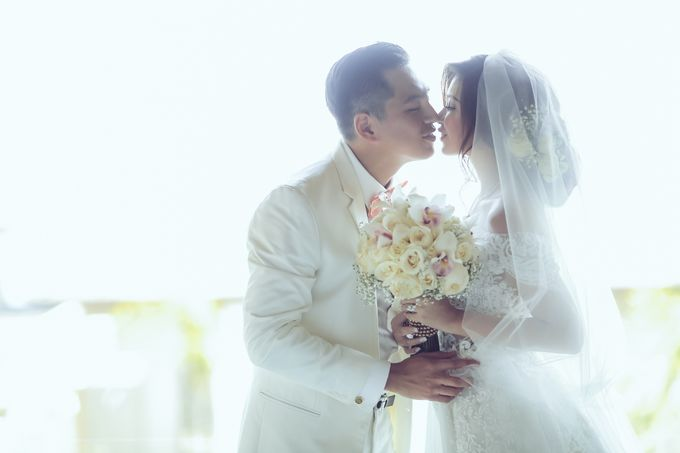 My elegantly intimate wedding by Anaz Khairunnaz - 011