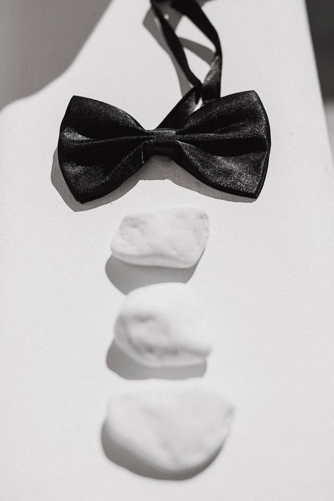 Romantic and luxurious wedding in Santorini by Stella & Moscha Weddings - 005