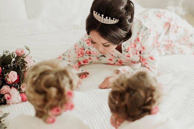 Romantic and luxurious wedding in Santorini by Stella & Moscha Weddings - 001