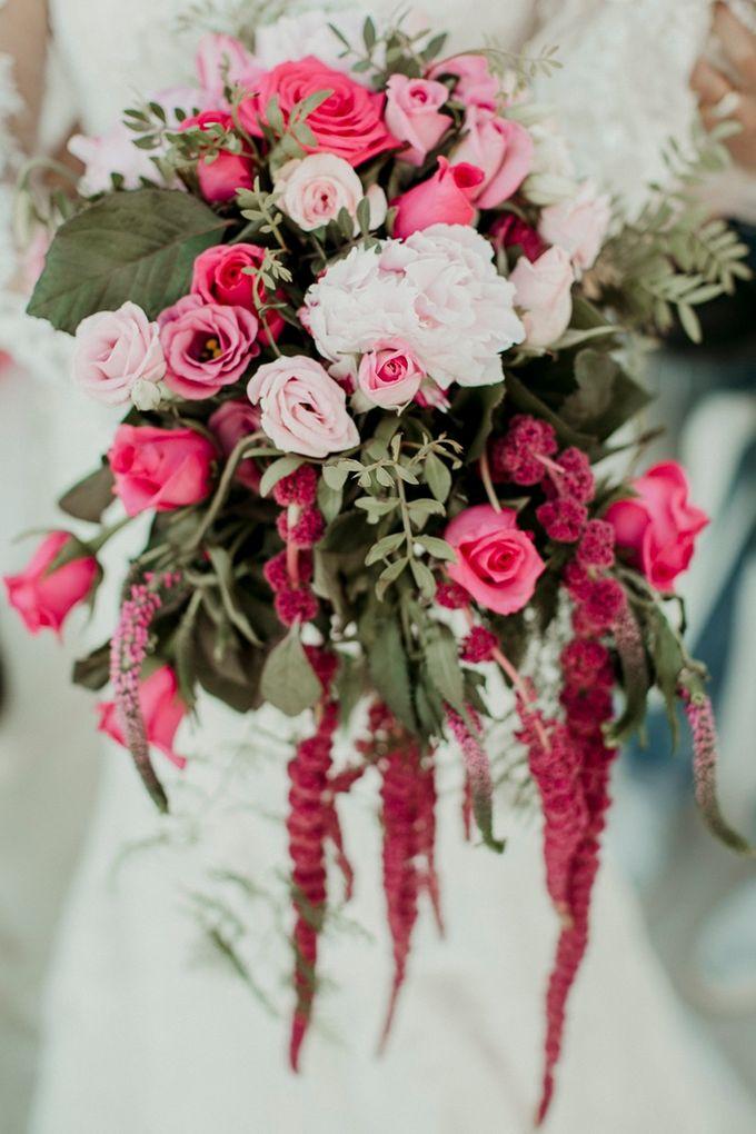 Romantic and luxurious wedding in Santorini by Stella & Moscha Weddings - 013