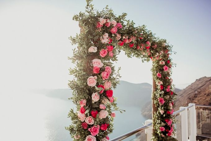 Romantic and luxurious wedding in Santorini by Stella & Moscha Weddings - 018