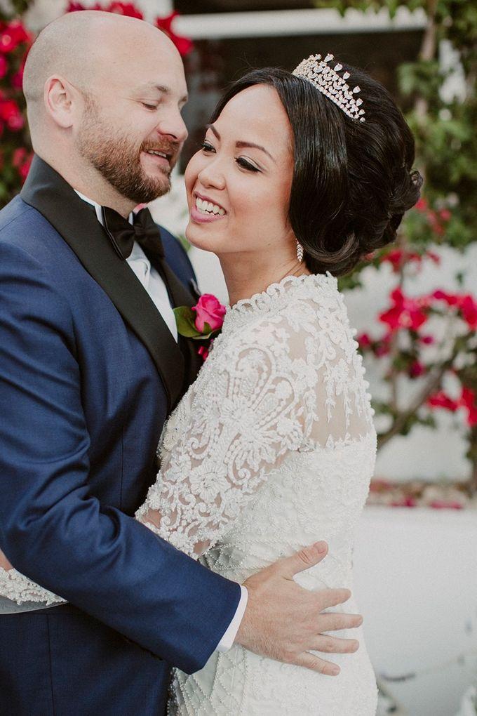 Romantic and luxurious wedding in Santorini by Stella & Moscha Weddings - 024
