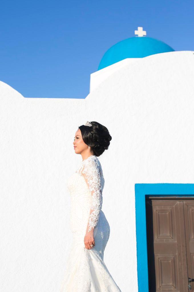 Romantic and luxurious wedding in Santorini by Stella & Moscha Weddings - 027