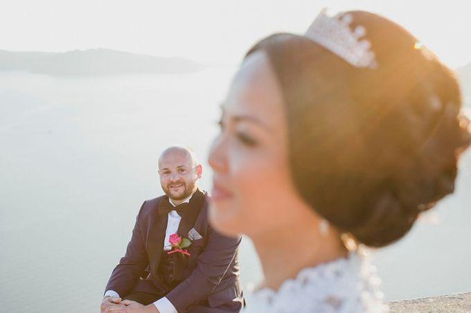 Romantic and luxurious wedding in Santorini by Stella & Moscha Weddings - 028