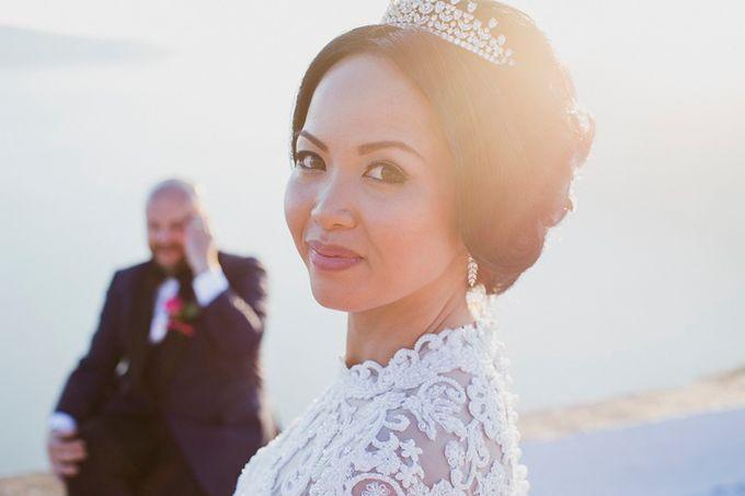 Romantic and luxurious wedding in Santorini by Stella & Moscha Weddings - 021