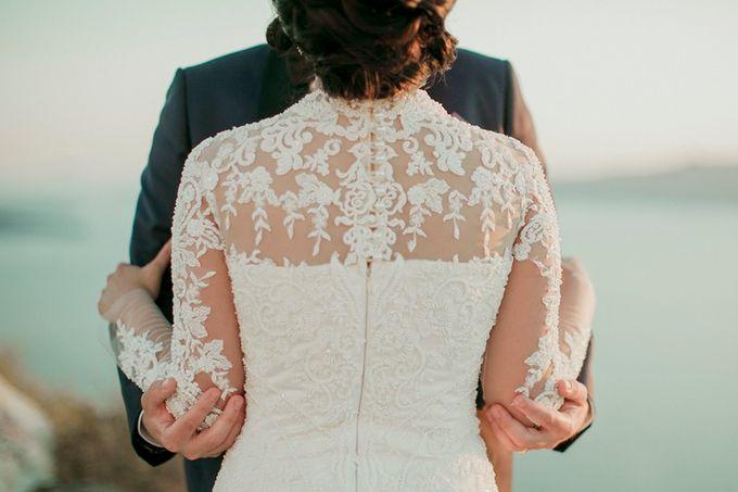 Romantic and luxurious wedding in Santorini by Stella & Moscha Weddings - 020