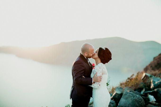 Romantic and luxurious wedding in Santorini by Stella & Moscha Weddings - 026