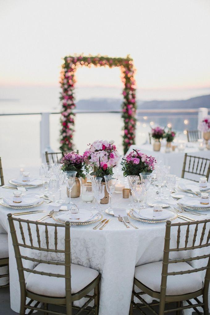 Romantic and luxurious wedding in Santorini by Stella & Moscha Weddings - 008