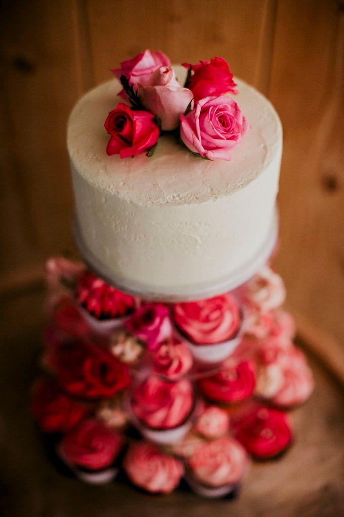 Romantic and luxurious wedding in Santorini by Stella & Moscha Weddings - 047