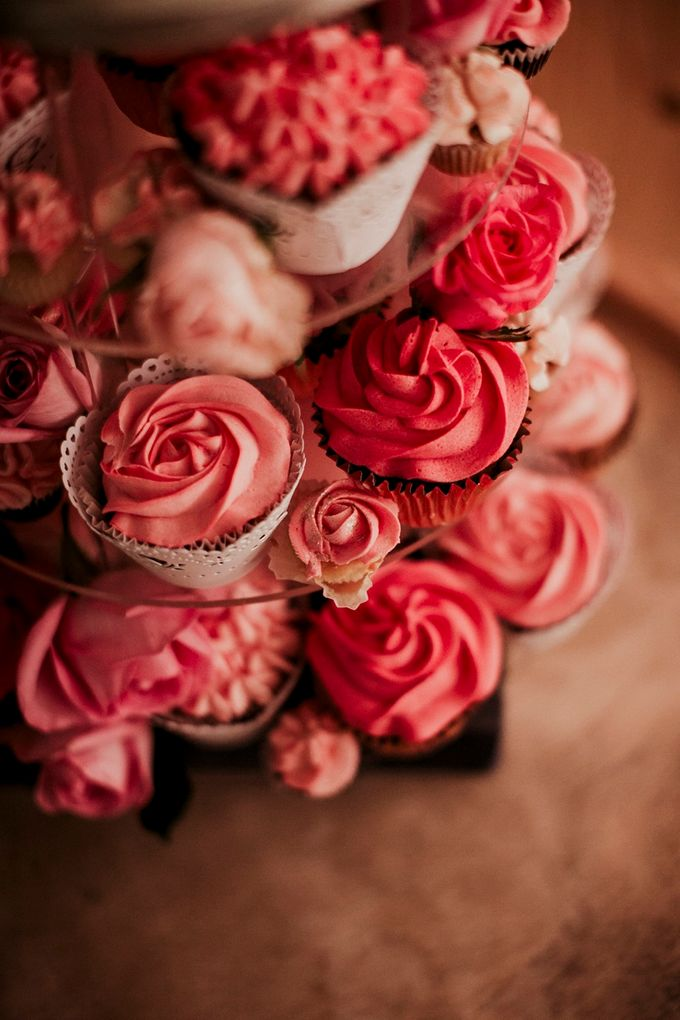 Romantic and luxurious wedding in Santorini by Stella & Moscha Weddings - 049