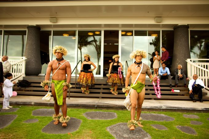 Colorful and Cultural Maui Wedding by Anna KIm Photography - 029