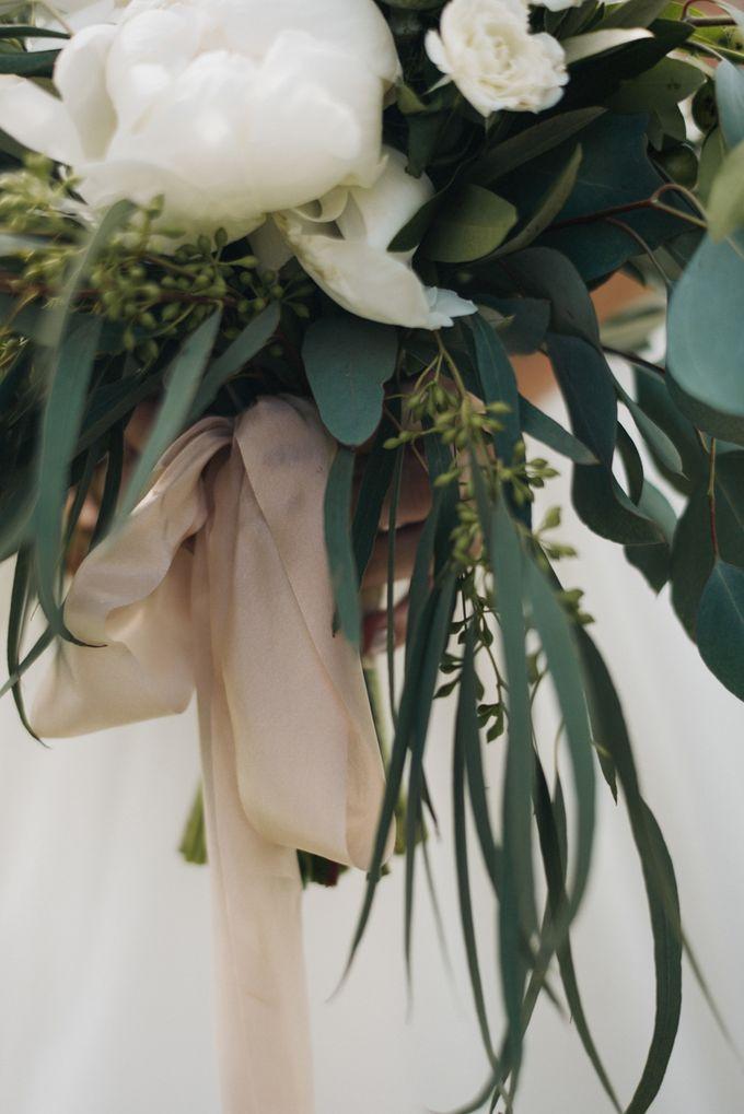 Benj & Madilyn's Rustic Blue Ridge Mountain Wedding by Nicola Harger Photography - 014