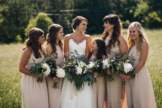 Benj & Madilyn's Rustic Blue Ridge Mountain Wedding by Nicola Harger Photography - 015