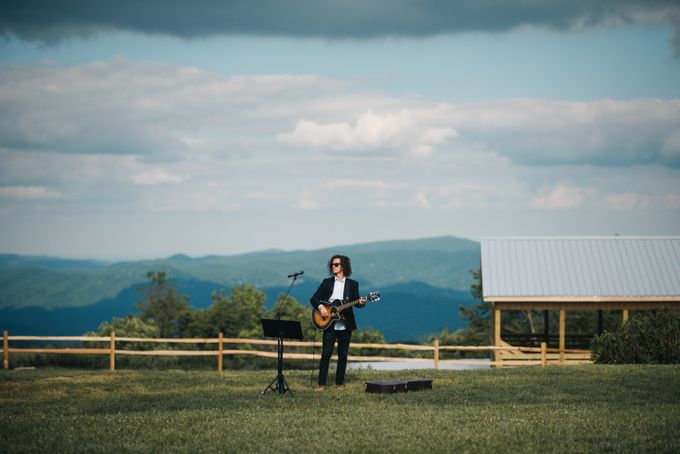 Benj & Madilyn's Rustic Blue Ridge Mountain Wedding by Nicola Harger Photography - 027