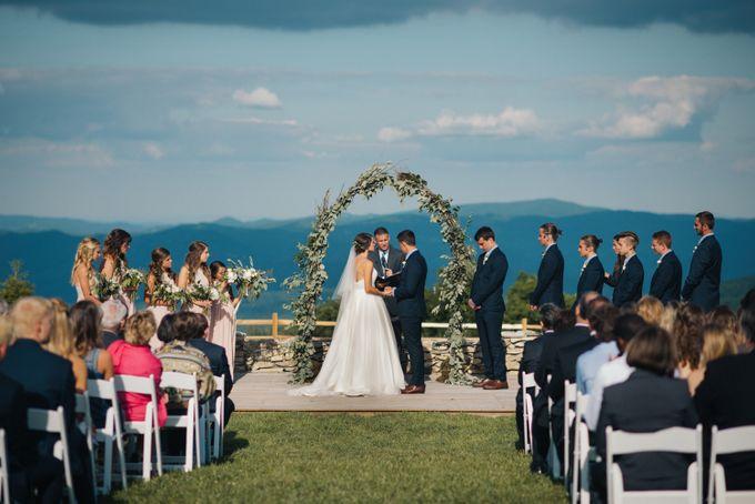 Benj & Madilyn's Rustic Blue Ridge Mountain Wedding by Nicola Harger Photography - 029