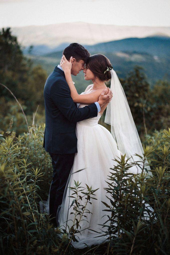 Benj & Madilyn's Rustic Blue Ridge Mountain Wedding by Nicola Harger Photography - 038