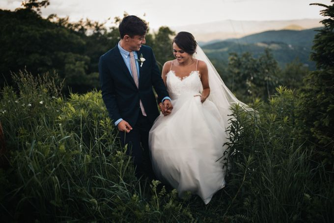 Benj & Madilyn's Rustic Blue Ridge Mountain Wedding by Nicola Harger Photography - 039