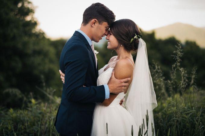 Benj & Madilyn's Rustic Blue Ridge Mountain Wedding by Nicola Harger Photography - 040
