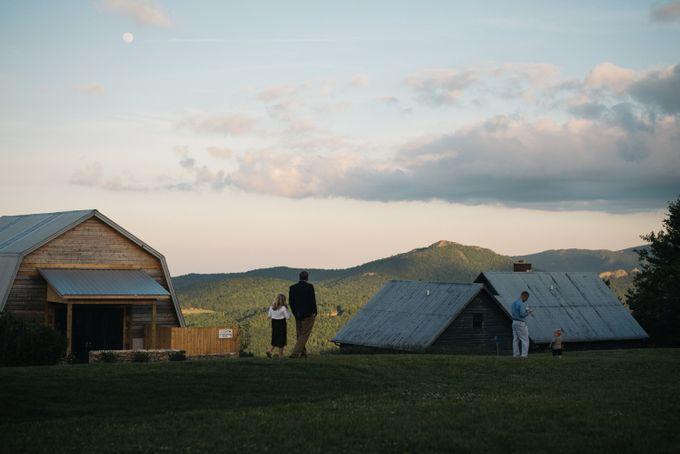 Benj & Madilyn's Rustic Blue Ridge Mountain Wedding by Nicola Harger Photography - 045
