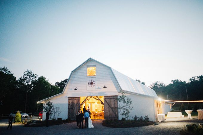 Benj & Madilyn's Rustic Blue Ridge Mountain Wedding by Nicola Harger Photography - 050