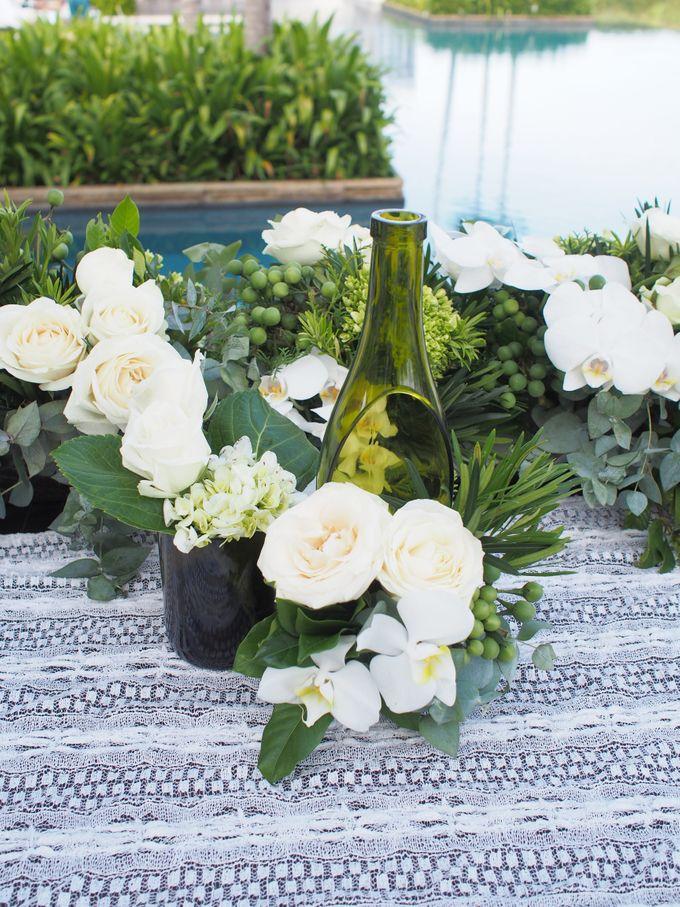 Classic Elegant - Nicola & Daniel by Puri Amanda Flower Boutique - 002