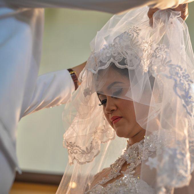 Courtesy of Wedding Day Ningsih and Aji by RWP Photocinema - 010
