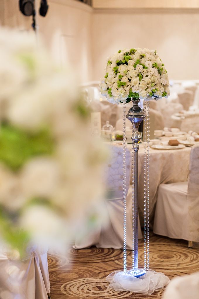 A White Wedding by Sing See Soon - 011