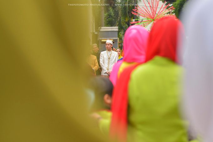 Emma + Bagus Wedding by Thepotomoto Photography - 006