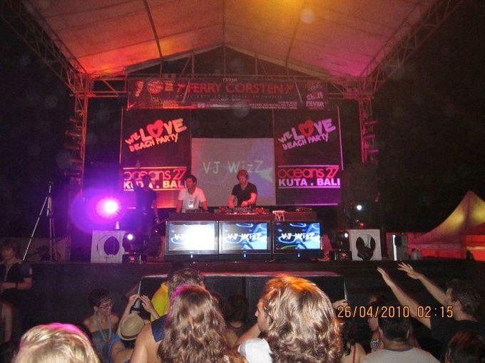 Female DJ Performance by Bali Concierge Services - 006