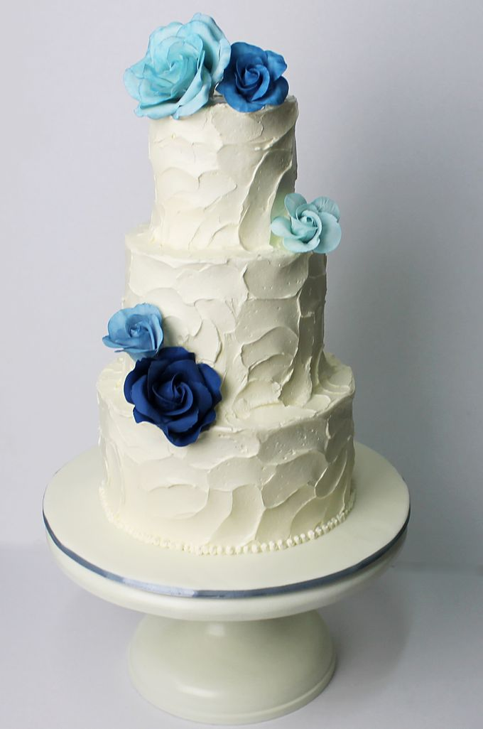 Sugar Floral with Buttercream by Carousel Moments - 006