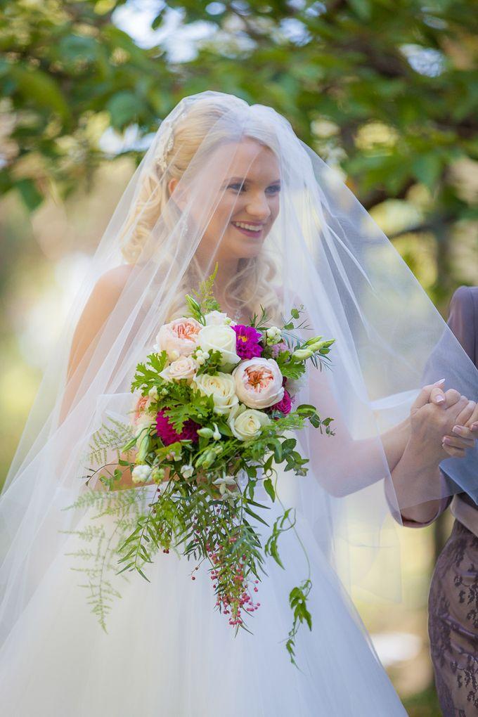 Jenn & Chris' Wedding at Chateau Wyuna by One Wedding Wish - 005