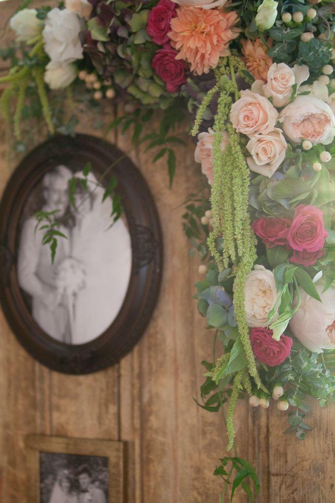 Jenn & Chris' Wedding at Chateau Wyuna by One Wedding Wish - 011