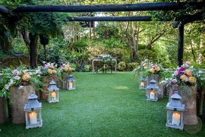 Jenn & Chris' Wedding at Chateau Wyuna by One Wedding Wish - 007